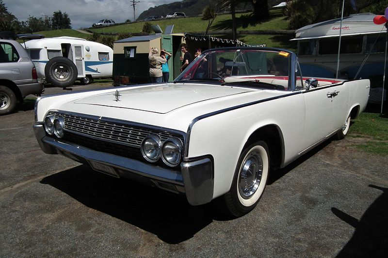 File:1962 Lincoln Continental convertible (6263500306).jpg