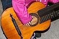 2-skjefte-gitaren til tippoldefar a.jpg