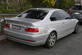 2004 BMW 325Ci (E46 MY04) coupe (2015-07-24) 02.jpg