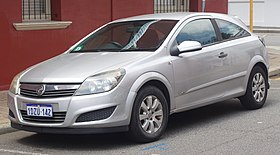 2007 Holden Astra (AH MY07.5) CD 3-door hatchback (2018-10-30) 01.jpg