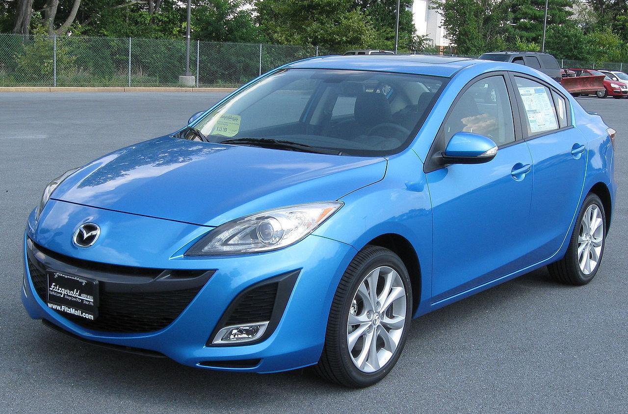 https://upload.wikimedia.org/wikipedia/commons/thumb/3/35/2010_Mazda3_sedan_--_08-25-2009.jpg/1280px-2010_Mazda3_sedan_--_08-25-2009.jpg