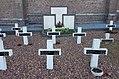 2016 Maastricht, Sint Pieter, kerkhof 02.jpg