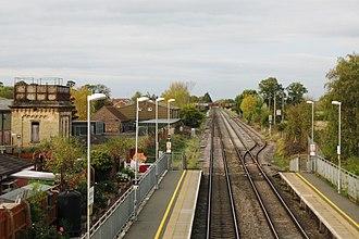 Ashchurch for Tewkesbury railway station - Image: 2017 at Ashchurch station view northwards