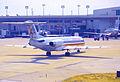 257al - American Airlines Fokker 100, N1411G@DFW,08.08.2003 - Flickr - Aero Icarus.jpg