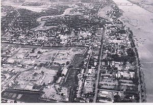 Battle of Quang Tri (1968) - Quang Tri City looking south, fall 1967:  The Citadel is in the lower center and right; the cemetery at the junction of Route 555 and Highway 1 is at the far upper center and left (Highway 1 runs east and west at that point); the bridge in the distance carried Highway 1 across the Thach Han River