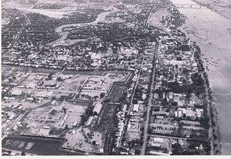 Quảng Trị Province - The Quảng Trị Citadel and part of Quảng Trị City looking south, as they were in 1967