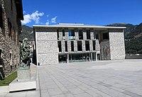 355 Nou edifici del Consell General, a l'esquerra la Casa de la Vall.JPG