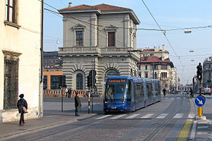 Trams in Padua - Image: APS 03 Eremitani 070329