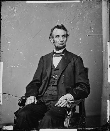 Mathew Brady portrait of Lincoln taken on February 9, 1864, used for the current $5 bill. Abraham Lincoln, President, U.S - NARA - 528388.jpg