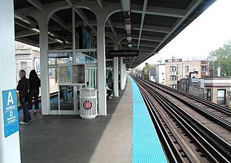 Addison station (CTA Red Line) - Addison station in May 2003