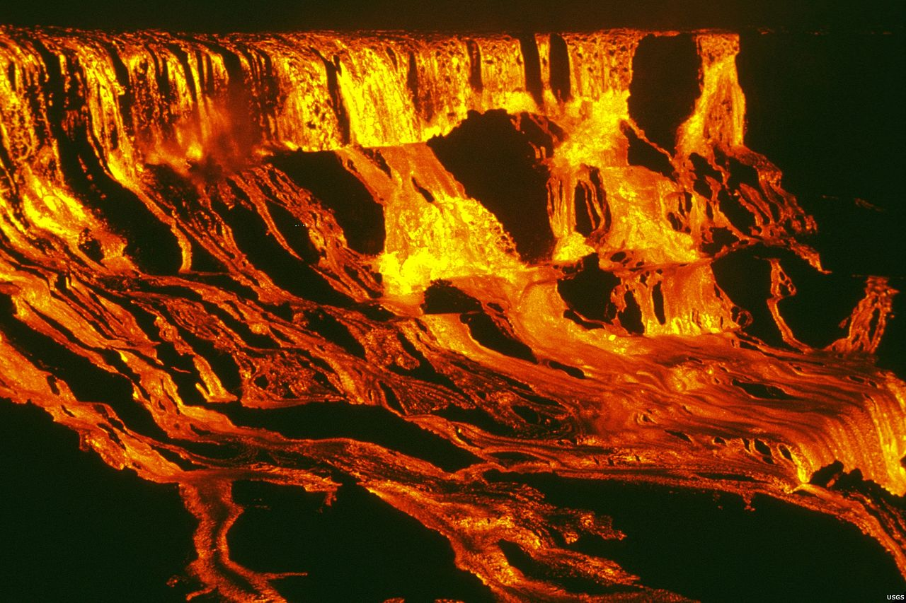 Is Lava Flowing On The Big Island