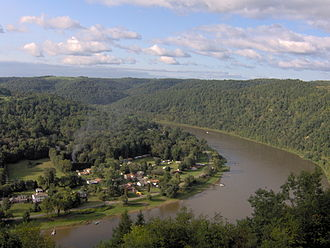 Much of the Allegheny River's course is through hilly woodlands. Allegheny River Bend.jpg