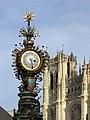 Amiens - horloge et cathedrale.jpg