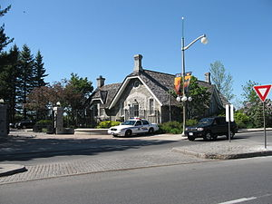 24 Sussex Drive - The security structure at the entrance to 24 Sussex