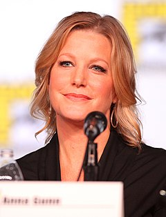 Anna Gunn på San Diego Comic-Con International 2012.