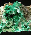 Annabergite-Smithsonite-tuc1039b.jpg