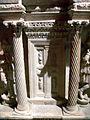 Antalya Museum - Sarkophag 3 Fronttür.jpg