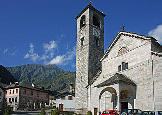 Antrona Schieranco - Church of St. Lawrence (right) and the Town Hall (left)