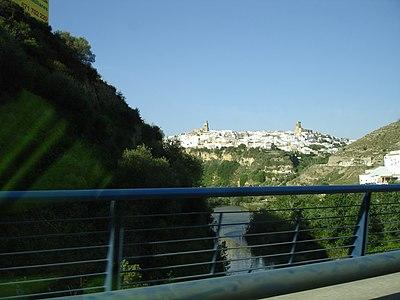 Arcos desde presa.jpg