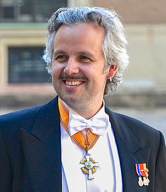 Order of the Crown (Netherlands) - Ari Behn in 2013, wearing the badge of the Order on a necklet (his accompanying Star is not shown).