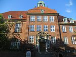 Auguste-Viktoria-Schule, Haus A, Flensburg, September 2013, Bild 01.JPG
