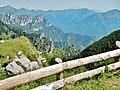 Ausblick vom Weg zwischen Tremalzo und Rifugio degli Alpini - Passo Nota - panoramio (1).jpg