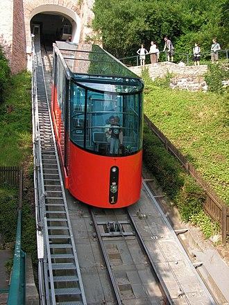 Schlossbergbahn (Graz) - Image: Ausztria, Grác, Schloßbergbahn, 0082