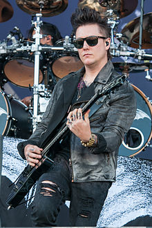 Avenged Sevenfold-Rock im Park 2014 by 2eight 3SC7610.jpg