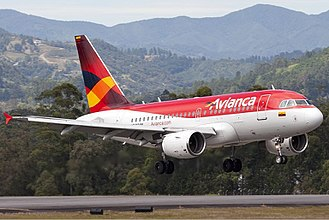 Airbus A318 - Avianca Airbus A318 landing