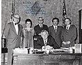 Bíró Andor, a tiszapéterfalvai Határőr Kolhoz elnöke John Dellenback republikánus képviselő oregoni rodájában.jpg
