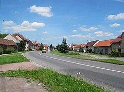 Babice (UH), hlavní silnice.jpg