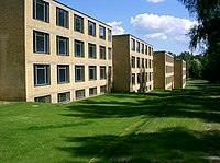 Bernau bei Berlin ADGB Schule Wohntrakte vorne.jpg
