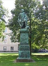 Blücher-Standbild von Christian Daniel Rauch gegenüber der Neuen Wache in Berlin (Quelle: Wikimedia)