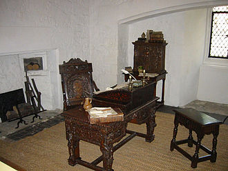 Raleigh's cell, Bloody Tower, Tower of London Bloodytower interior.jpg