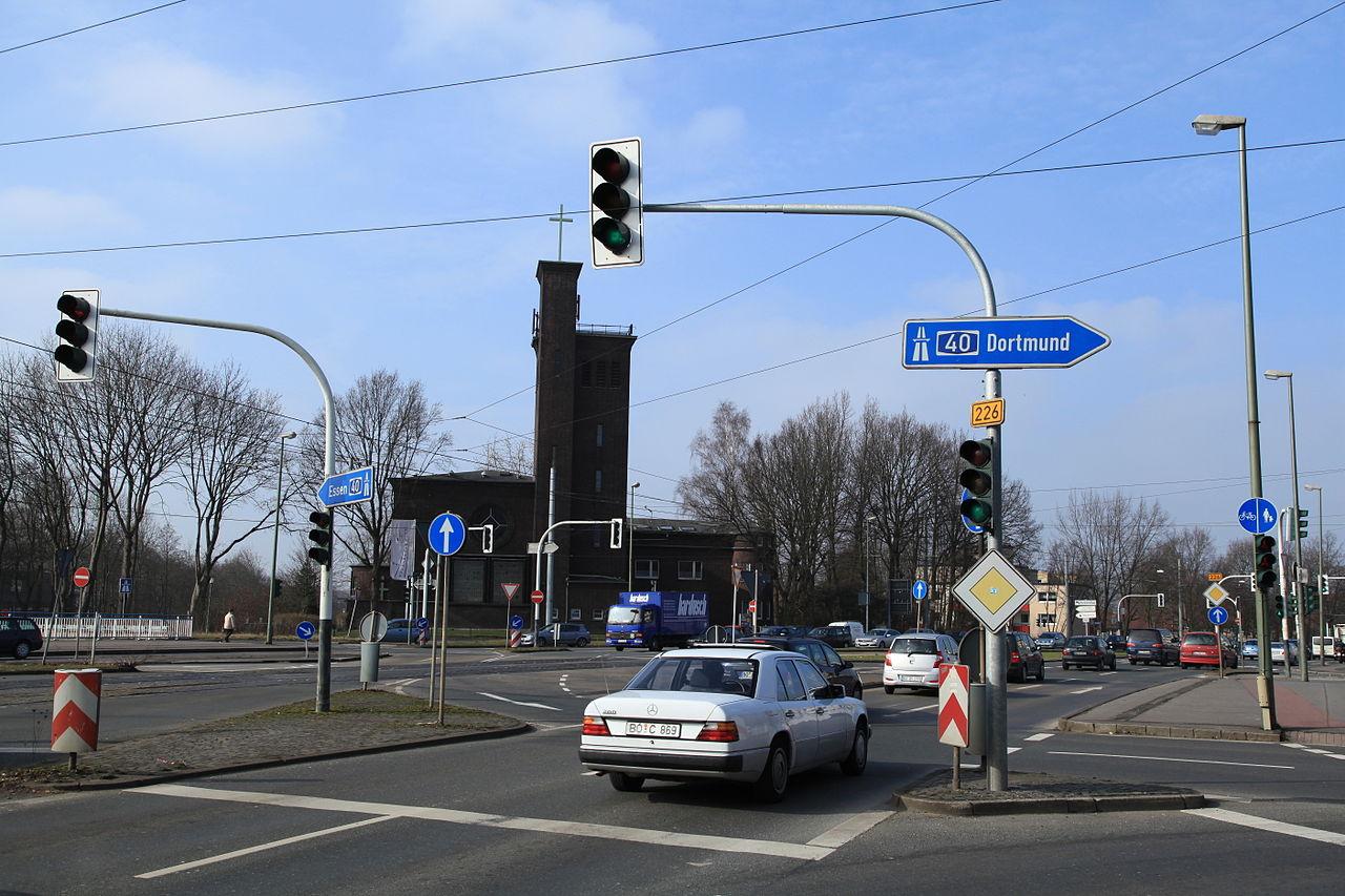 File:Bochum - Dorstener Straße - Brücke Bodelschwinghplatz