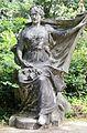 Bois de Vincennes statue 2.jpg