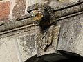 Boisseuilh église portail clé.jpg