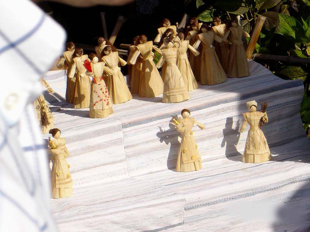Adesivo Para Sala De Jogos ~ File Bonecas de artesanato feitas com filha de milho