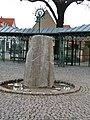 Brunnen Weinböhla Rathausplatz.JPG