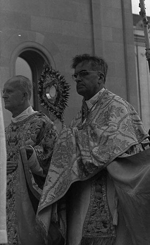 Bishops of Freising and Archbishops of Munich and Freising - Cardinal Döpfner at Munich's Corpus Christi procession in 1971