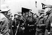 Bundesarchiv Bild 183-J28536, Volkssturm, Einsatz einer Hitler-Jugend-Kompanie