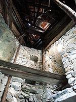 File:Burg Klingenstein, Bergfried innen.jpg