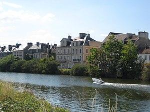Canal de Caen à la Mer - Image: Caen canal depuisile