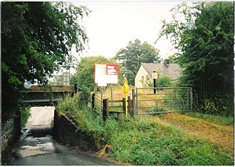 Caersws - Image: Caersws foot crossing 1