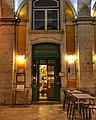 Café Restaurante Martinho da Arcada, vista do exterior à noite fotoPatriciaSantos.jpg
