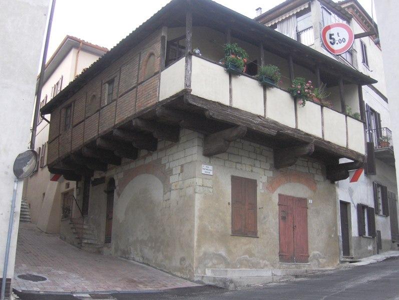 Casa a graticcio Ozzano Monferrato
