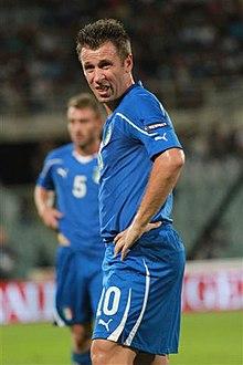 Antonio Cassano in maglia azzurra nel 2011 durante una sfida contro la Slovenia