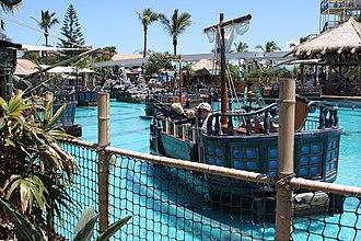 Sea World (Australia) - Battle Boats at Castaway Bay