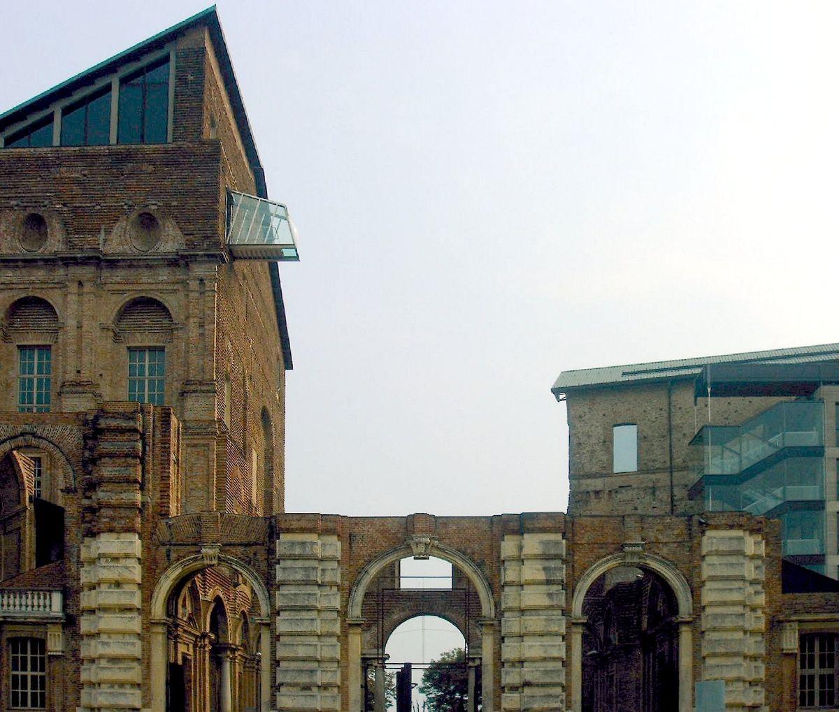 Castello di rivoli wikipedia for 2 piani di casa contemporanea di storia