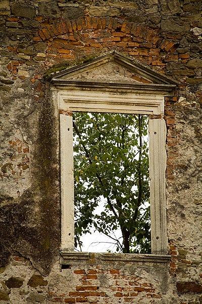 Fișier:Castelul Martinuzzi.jpg